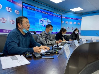 Press conference on preliminary long-term observation report