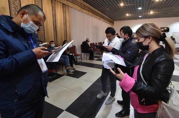Предварительные данные на 23:00: зафиксирован 101 возможное нарушение в день голосования: 65 по городу Бишкек, 36 по городу Ош.